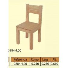 Cadeira com costa 4 patas quadradas grossas