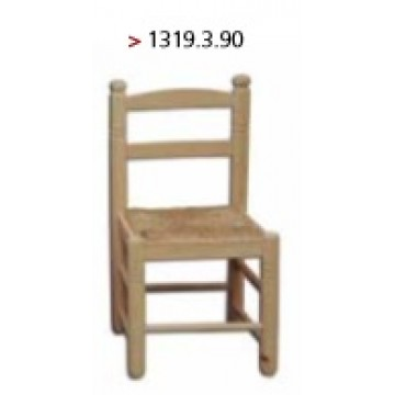 Cadeira de criança modelo espanhol com assento de ráfia.