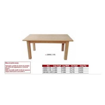 Mesa maciça com tampo de cm e patas  de 10,5x10,5